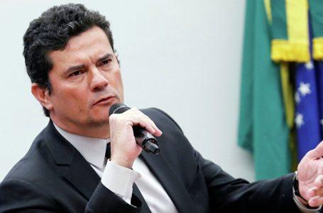 Mensagens vazadas revelam que Moro orientou as investigações da Lava Jato