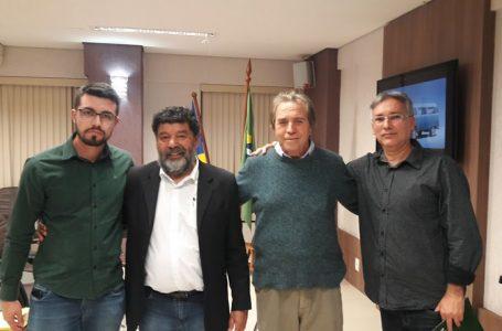Dr Edvaldo Barbosa faz reunião com associados do Arapongas Esporte Clube