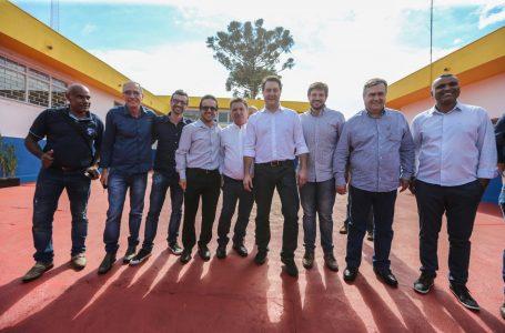 Com presença do governador, Prefeitura de Arapongas reabre 24 Horas e inaugura CMEI do Bandeirantes