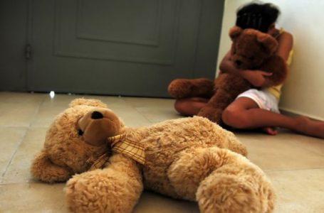 Homem entra em igreja e é preso por estupro contra criança de 4 anos
