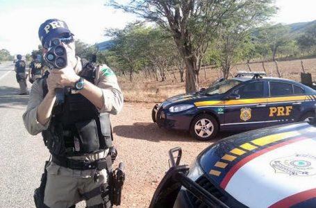 Bolsonaro determina suspensão do uso de radares móveis em rodovias federais