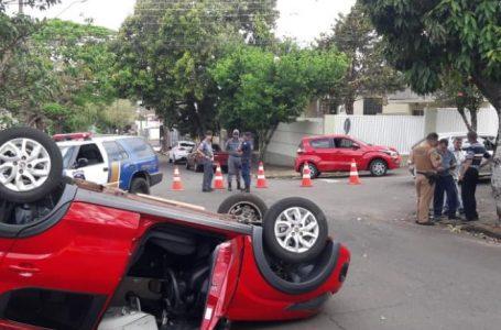 Motorista avança preferencial e causa acidente, no centro de Apucarana