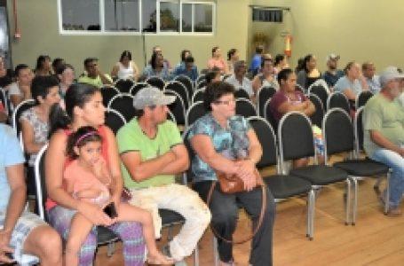 Mais 64 famílias do Conjunto São Bento têm contratos de moradias regularizados