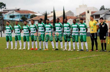 Arapongão empata e segue na liderança da Série C