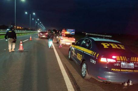 Acidente envolvendo carro e caminhão acontece na BR-369, em Arapongas