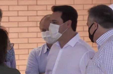 Governador do Paraná e secretário de Saúde ficarão isolados até resultado de exames da Covid-19