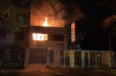 Incêndio atinge clínica odontológica e destrói arquivos de pacientes em Porto Alegre