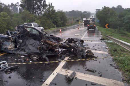 Acidente entre Picape e caminhão na BR-373 em Imbituva; Motorista da Picape morreu