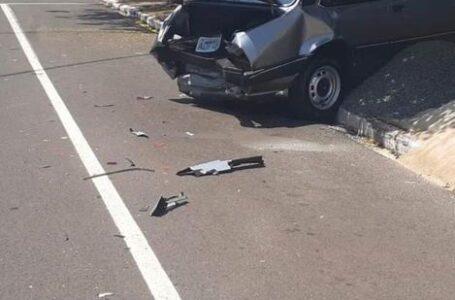 Acidente entre dois carros é registrado nesta segunda (12) em Arapongas