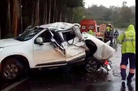 Motorista fica gravemente ferido em capotamento na PR-444, próximo a Mandaguari