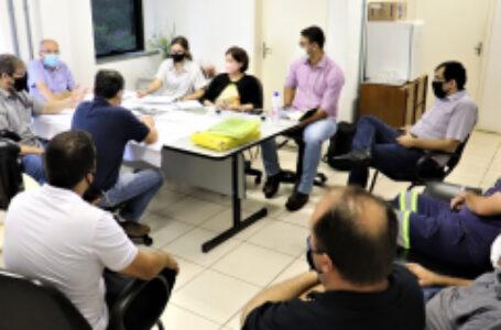 Comitiva que prepara melhorias na linha férrea faz visita técnica a Arapongas