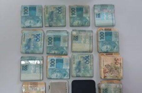 Em Apucarana, PM encontra R$13 mil em dinheiro com suspeito de tráfico