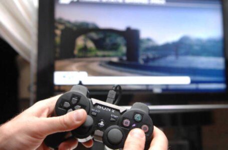 Em Apucarana, adolescente bate na mãe e no irmão após se irritar com vídeo game
