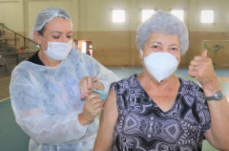 Arapongas já aplicou 4.152 doses da vacina contra a Covid-19