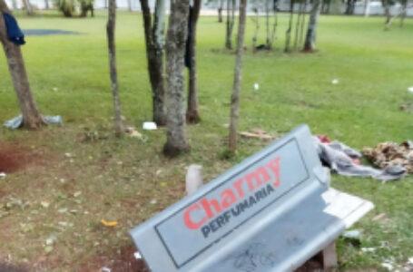 Praça da Saudade é alvo de vandalismo