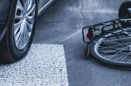 Ciclista são atropelados e motorista do veiculo foge sem prestar socorro as vitimas