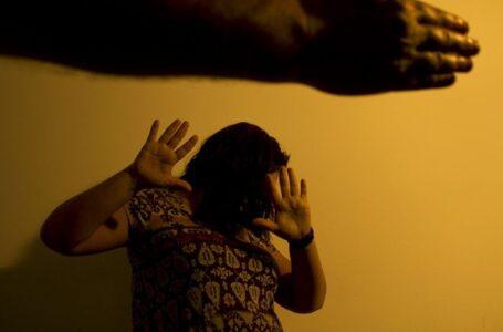 Mulher é agredida com chutes no rosto pelo ex-companheiro